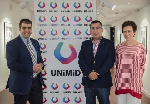Foto de la presentación de UNIMID