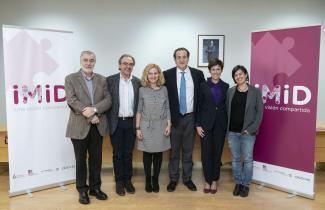 Representantes de UNiMiD junto a los premiados de los Premios IMID